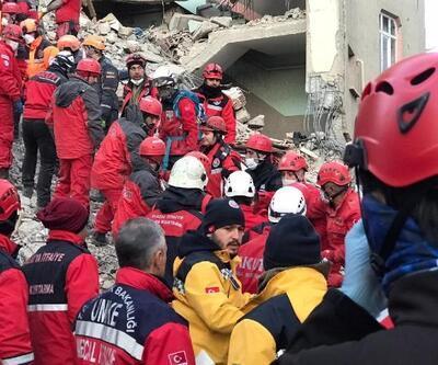 Mustafa Paşa Mahallesi'ndeki enkazda 3 kişinin cansız bedenine ulaşıldı