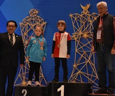 Satrancın şampiyonları ödüllerini aldı