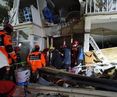 """AFAD: """"Depremde hayatını kaybeden vatandaşlarımızın sayısı 31 oldu"""""""