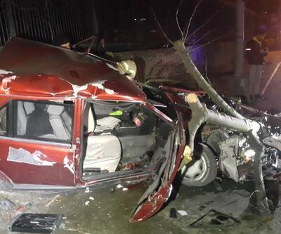 Beşiktaş'ta feci kaza: Otomobil hurdaya döndü! 1'i ağır, 3 yaralı
