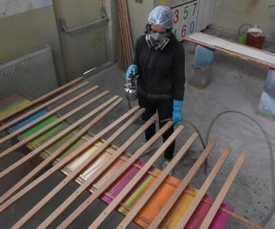 Resim öğrencilerinin şövalelerini Bursalı öğrenciler üretiyor