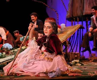 Gölyazılı kadınlar tiyatroda buluştu