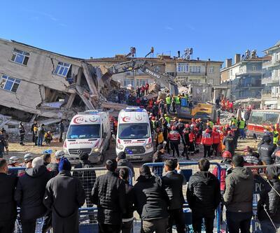 Depremde yıkılan binalara iki ayrı soruşturma