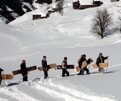 Köylülerden 2 bin 200 rakımda 'petranboard' provası
