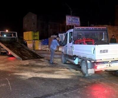 Otomobil kamyonetle çarpıştı: 1'i polis, 2 yaralı