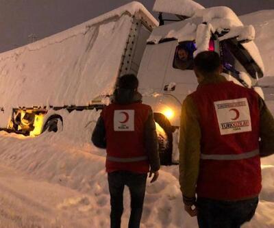 Doğu'da kar esareti: 2 bin 25 köy yolu kapandı