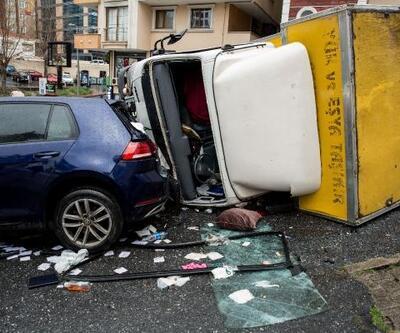Beşiktaş'ta kaza yapan kamyonet devrildi