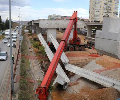 40 tonluk beton kirişi taşıyan vinç kırıldı