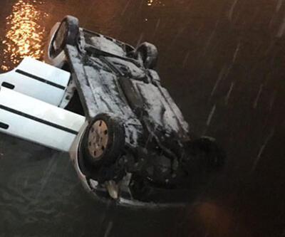 Sakarya'da otomobil çaya düştü