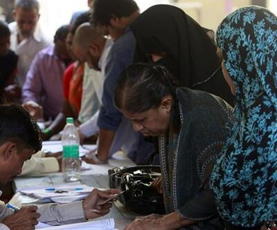 Hindistan seçim için sandığa gitti