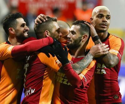 Galatasaray farkı 3'e indirdi