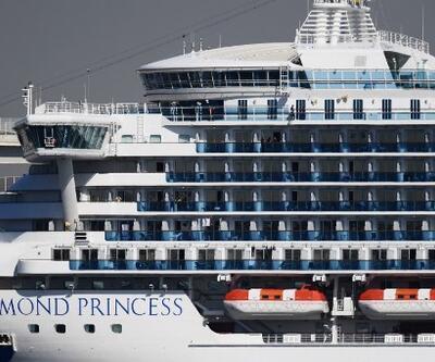 """Karantinadaki gemide bulunan yolculardan çağrı: """"Yalvarıyoruz, virüs bizi bulmadan kurtarın"""""""