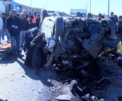 Şile Yolu'nda otomobil seyir halindeki iş makinesine çarptı: 1 ölü, 2 yaralı