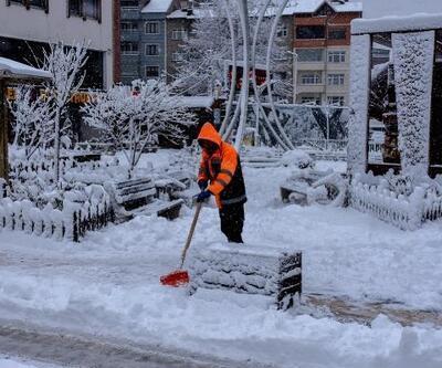 Gümüşhane sokaklarında kar temizliği mesaisi