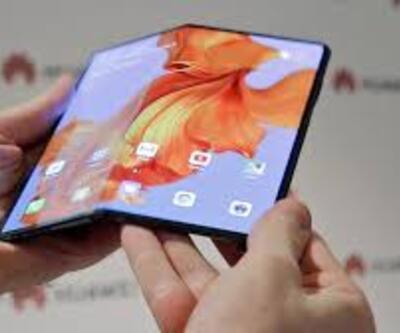 Yeni katlanabilir akıllı telefonunu sanal toplantıda tanıtacak
