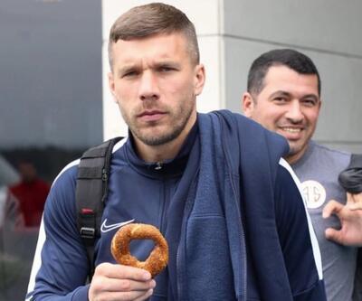 Lukas Podolski paylaşımını sildi
