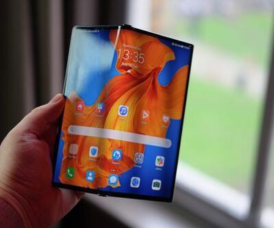 Huawei katlanabilir telefonunu yeniledi