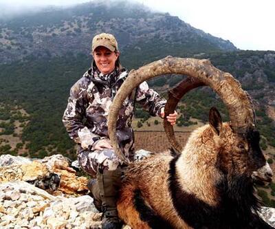ABD'li çift Adıyaman'da iki dağ keçisi avladı