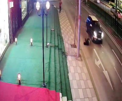 Otomobilin önüne atlayarak intihara kalkıştı
