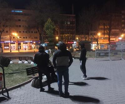 Malatya'daki deprem sonrası vatandaşlar kendilerini sokağa attı