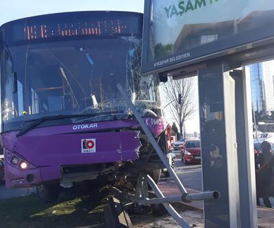 Ataşehir'de halk otobüsü kaza yaptı