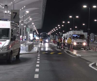 İstanbul Havalimanı'nda umreden gelen yolcular sağlık taramasından geçirildi