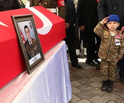 Şehit Uzman Onbaşı Gülaştı'ya yeğeninden asker selamı ile veda