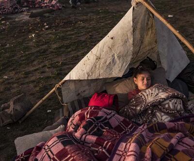 Göçmenler, Meriç Nehri kıyısında sabahladı