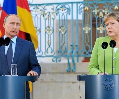 Putin ve Merkel İdlib'deki durumu görüştü