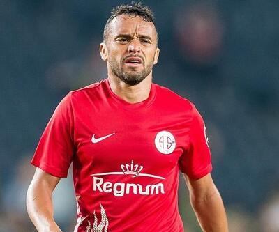 Antalyaspor'dan Brezilya'da karantinada olan Charles ile ilgili açıklama