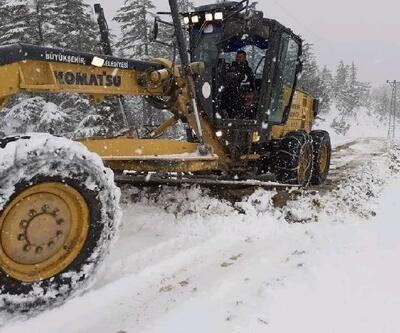 Feke'de ulaşıma kar engeli