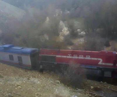 Elazığ'da heyelan nedeniyle tren raydan çıktı!