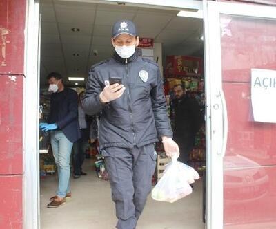 Polisten evden çıkmayan yaşlılara destek