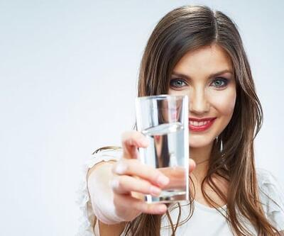 Koronavirüse karşı bol sıvı tüketin uyarısı