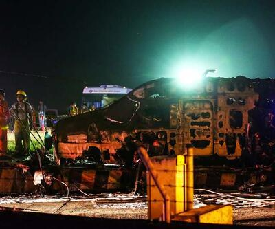 Ambulans uçak alev topuna döndü: 8 ölü