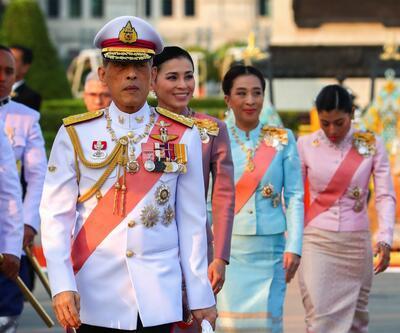 Tayland Kralı'ndan 'koronavirüs' karantinası: 20 kadından oluşan haremiyle Alpler'de otele kapandı