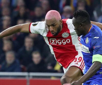 Ajax Ryan Babel'in sözleşmesini feshetti