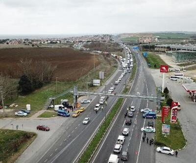 Silivri'deki İstanbul'a giriş çıkış kuyruğu havadan görüntülendi