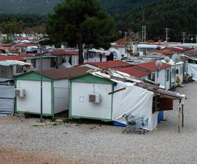 Atina'daki sığınmacı kampında virüs alarmı