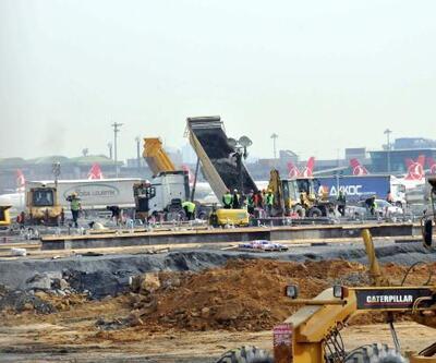 Atatürk Havalimanı'ndaki salgın hastanesinin yapım çalışmaları sürüyor