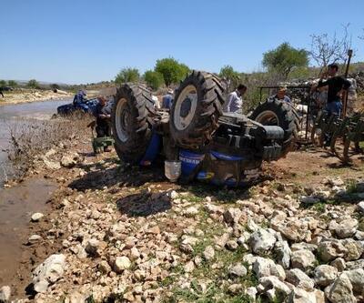 Besni'de devrilen traktörün sürücüsü yaralandı