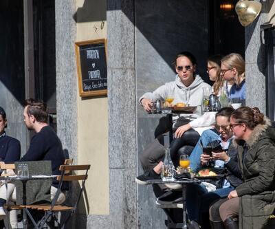İsveç'in sürü bağışıklığı stratejisi çöküyor: Ölü sayısı 1000'i geçti!