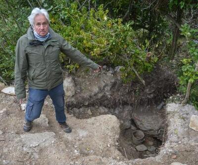 Defineciler Şile'de tarihi yapıyı talan etti