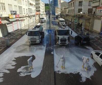 Siverek'te cadde ve sokaklar dezenfekte ediliyor