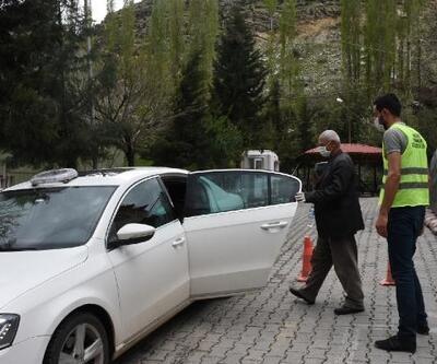 Taburcu olan hastaya kaymakam özel araç tahsis etti