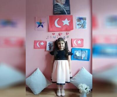 İpek Havin 23 Nisan'ı evde kutladı