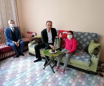 Kaymakam Sarıdoğan, öksüz ve yetim çocuklara oyuncak dağıttı