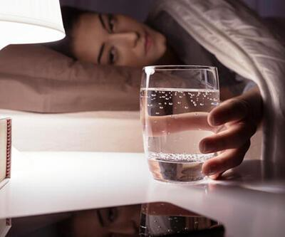Koronavirüse karşı neden su içiyoruz?
