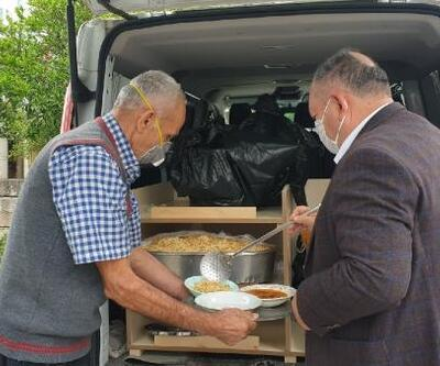 Kadirli Belediyesi ihtiyaç sahibi 2 bin ailenin evine yemek götürüyor