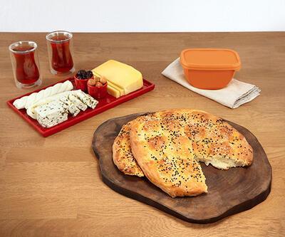 Ev yapımı peynirli Ramazan pidesi